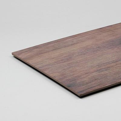 לוחות דמוי עץ